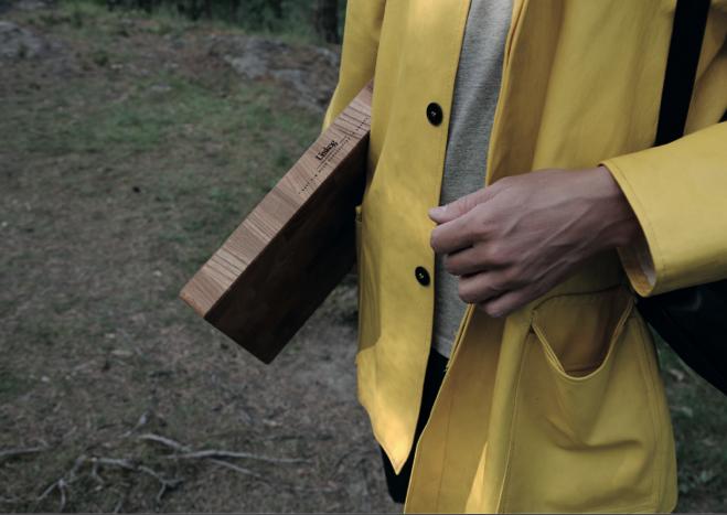 KUBBE - Billet cutting board in massive Elm