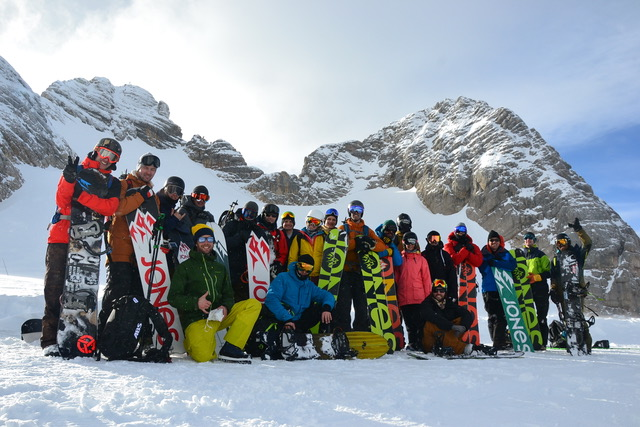 ACM have been taking care of European PR for Jones Snowboard for a few years now. Matt, Jeremy and friends - January 2017.