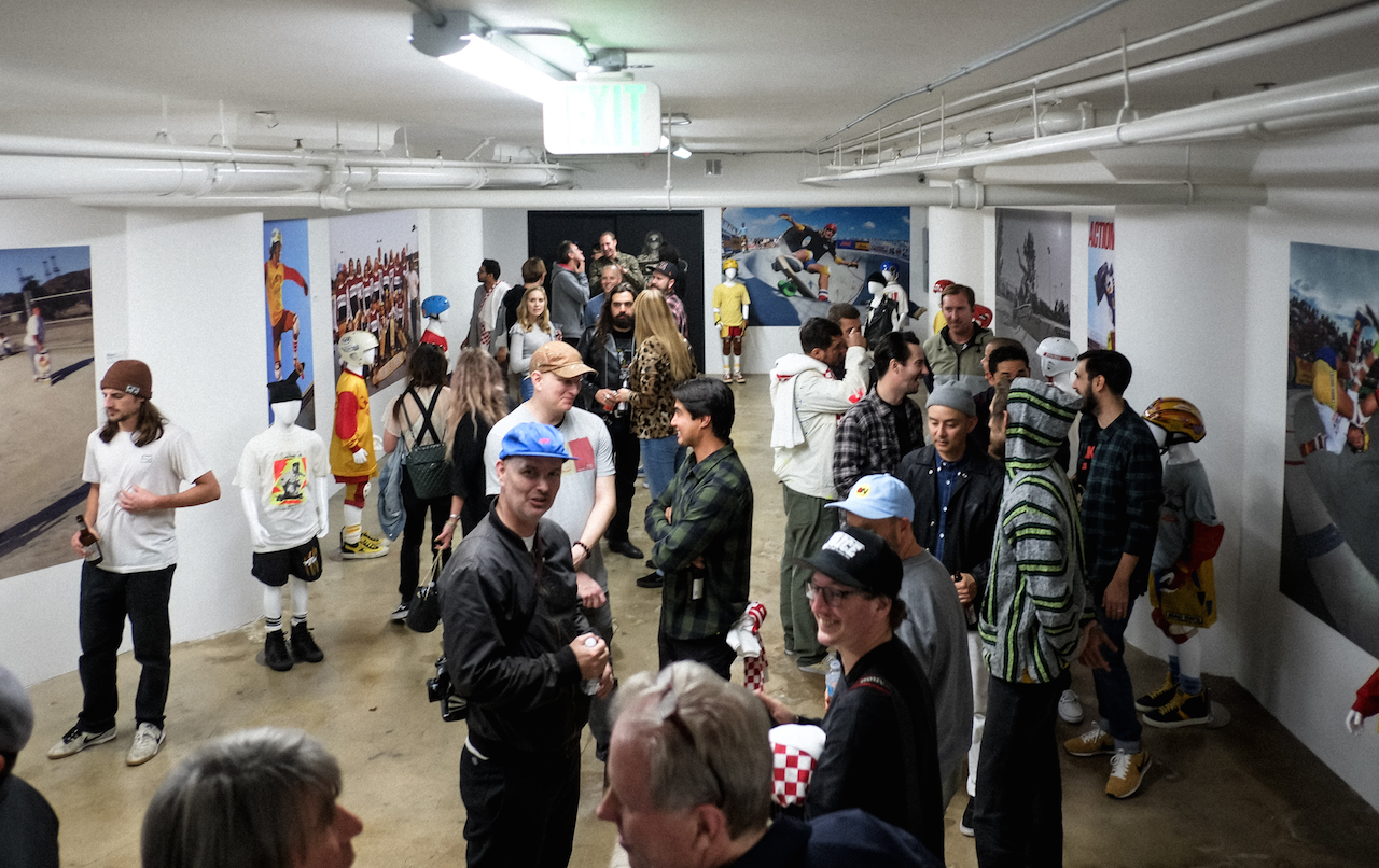 Crowd in fronrt of exhibits photo by cap 10