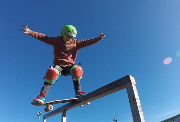 Roxana Howlett Boardslide