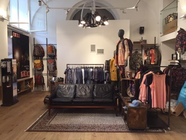Burton opens new retail spaces in munich innsbruck for Interior design innsbruck