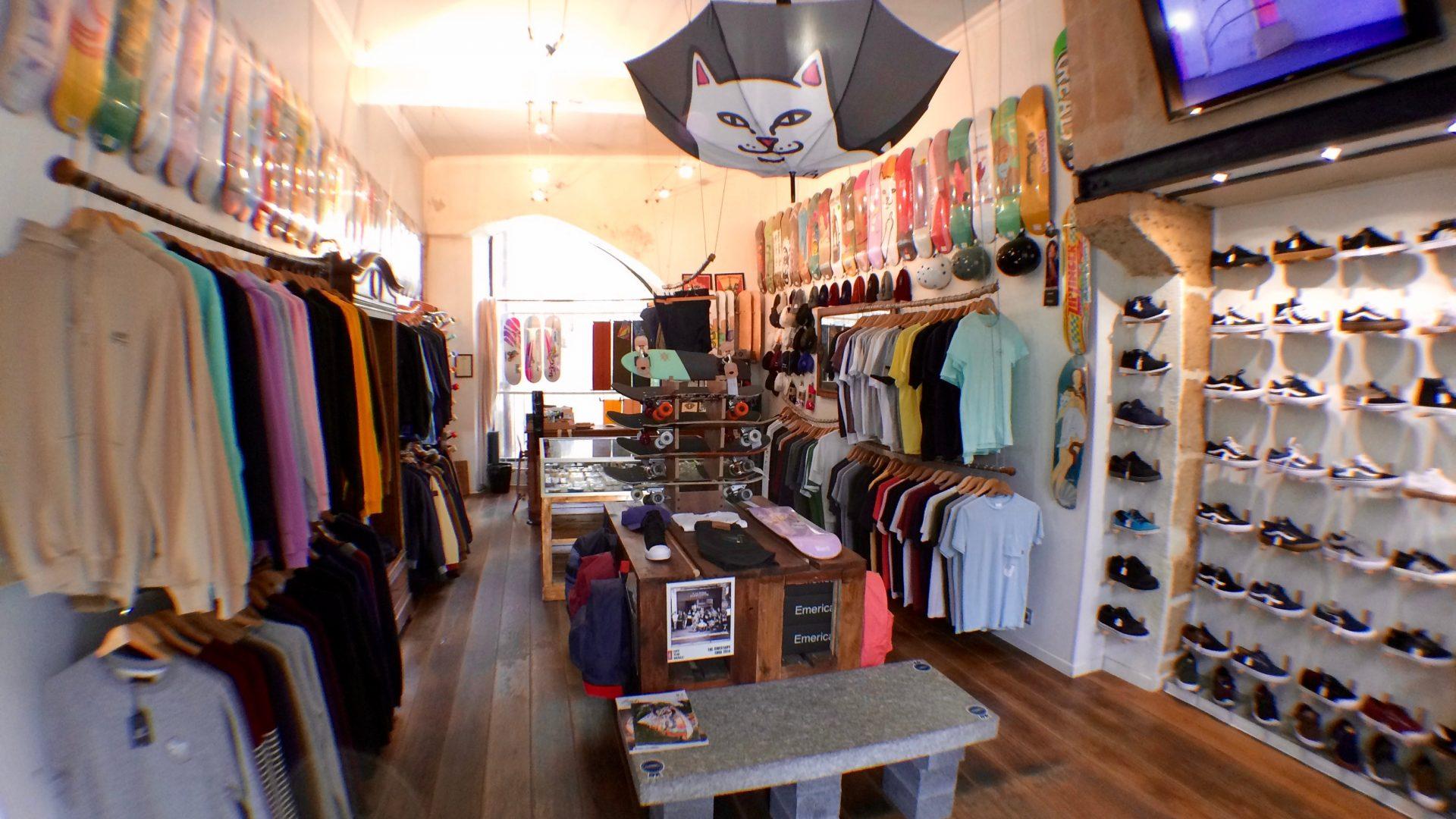 Tours shop 1