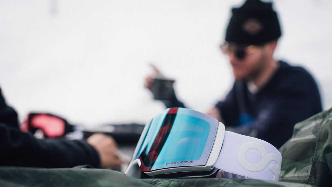 SEE-WHAT-YOUÔÇÖVE-BEEN-MISSING-WITH-OAKLEY┬«-PRIZMÔäó-SNOW-LENS-TECHNOLOGY-7