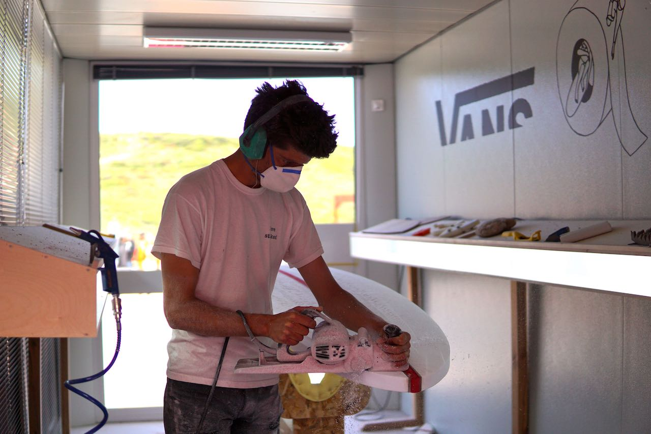 11 Local shaper Manel Sousa (@LiveStoked) grafting.