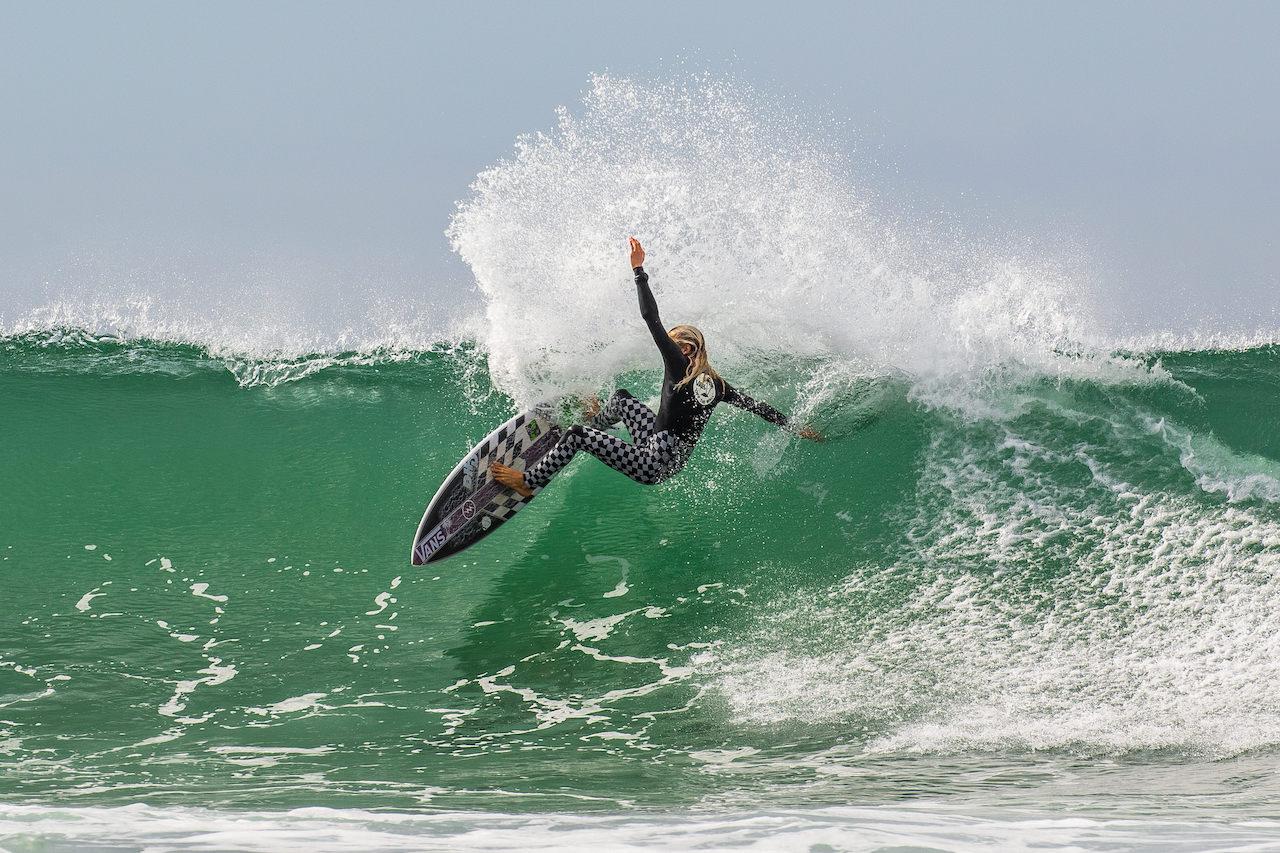 Gorilla Surf
