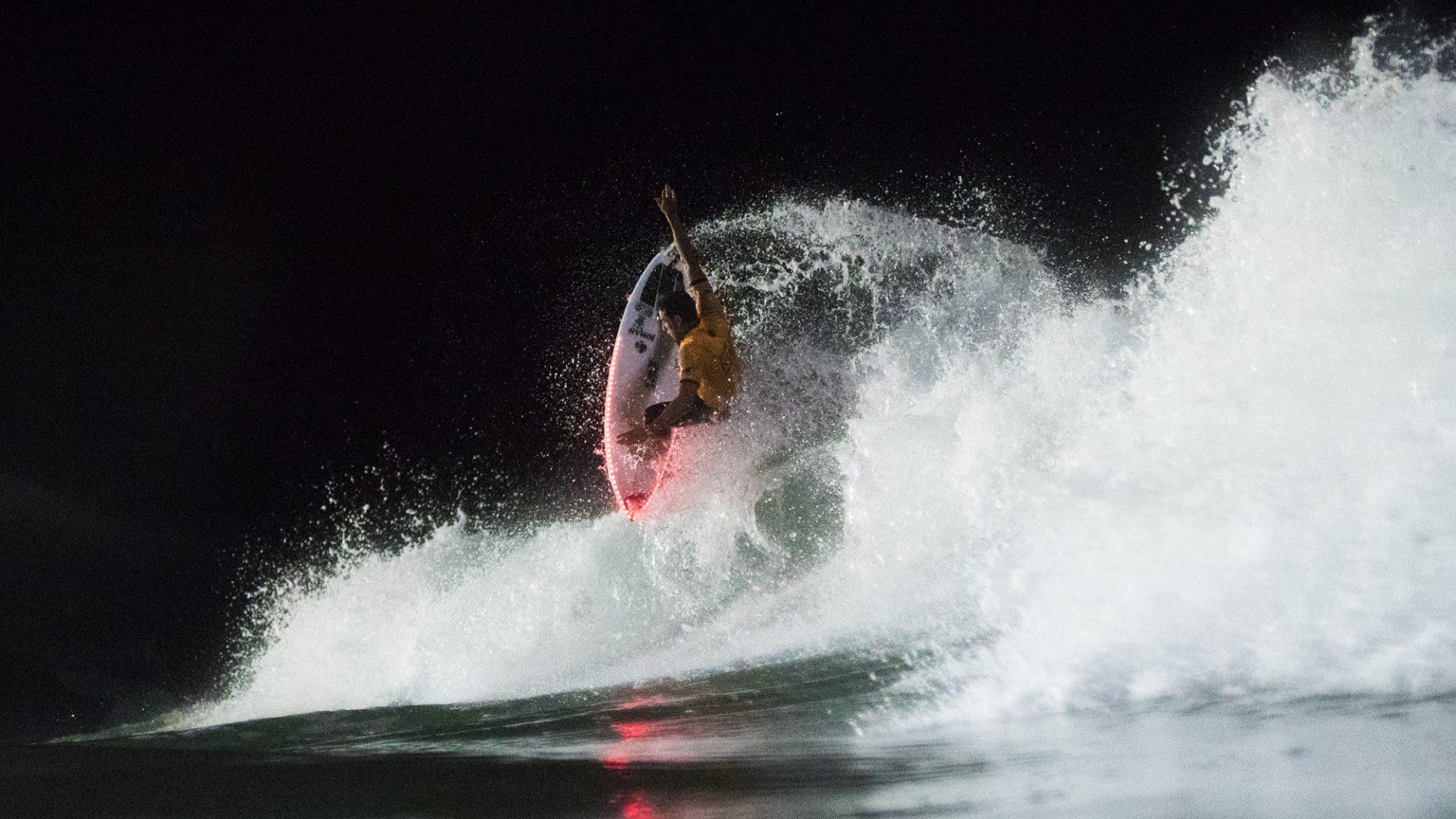Deeply Soöruz Picture Dakine WSL World Surf League Surf de Nuit