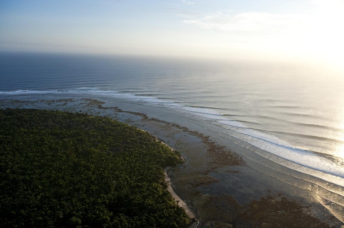The 2020 WSL Championship Tour will see the world's best surfers return to G-Land. Credit- Quiksilver Testemale