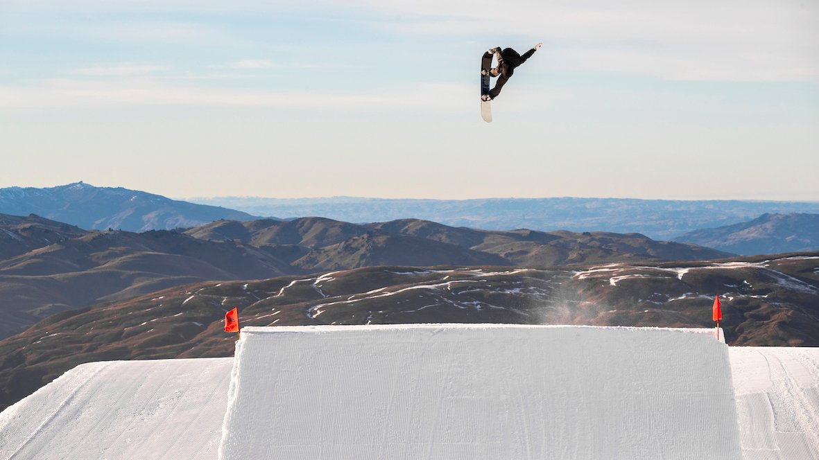 Drake FW20/21 Snowboard Preview