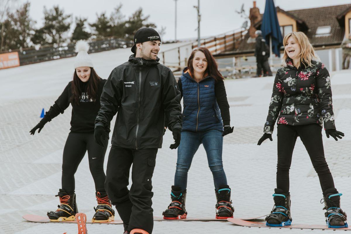 Snowtrax Snowboard lesson