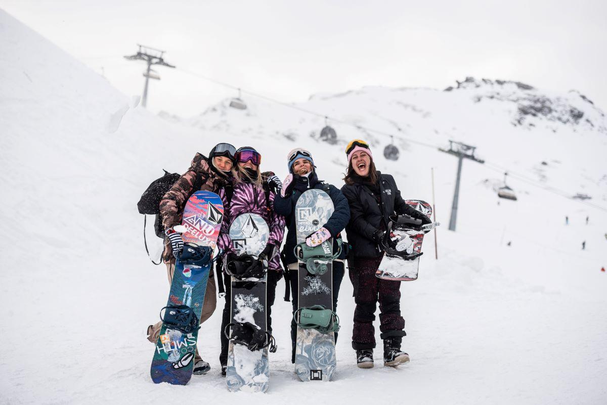 elooa girls snowboard camp