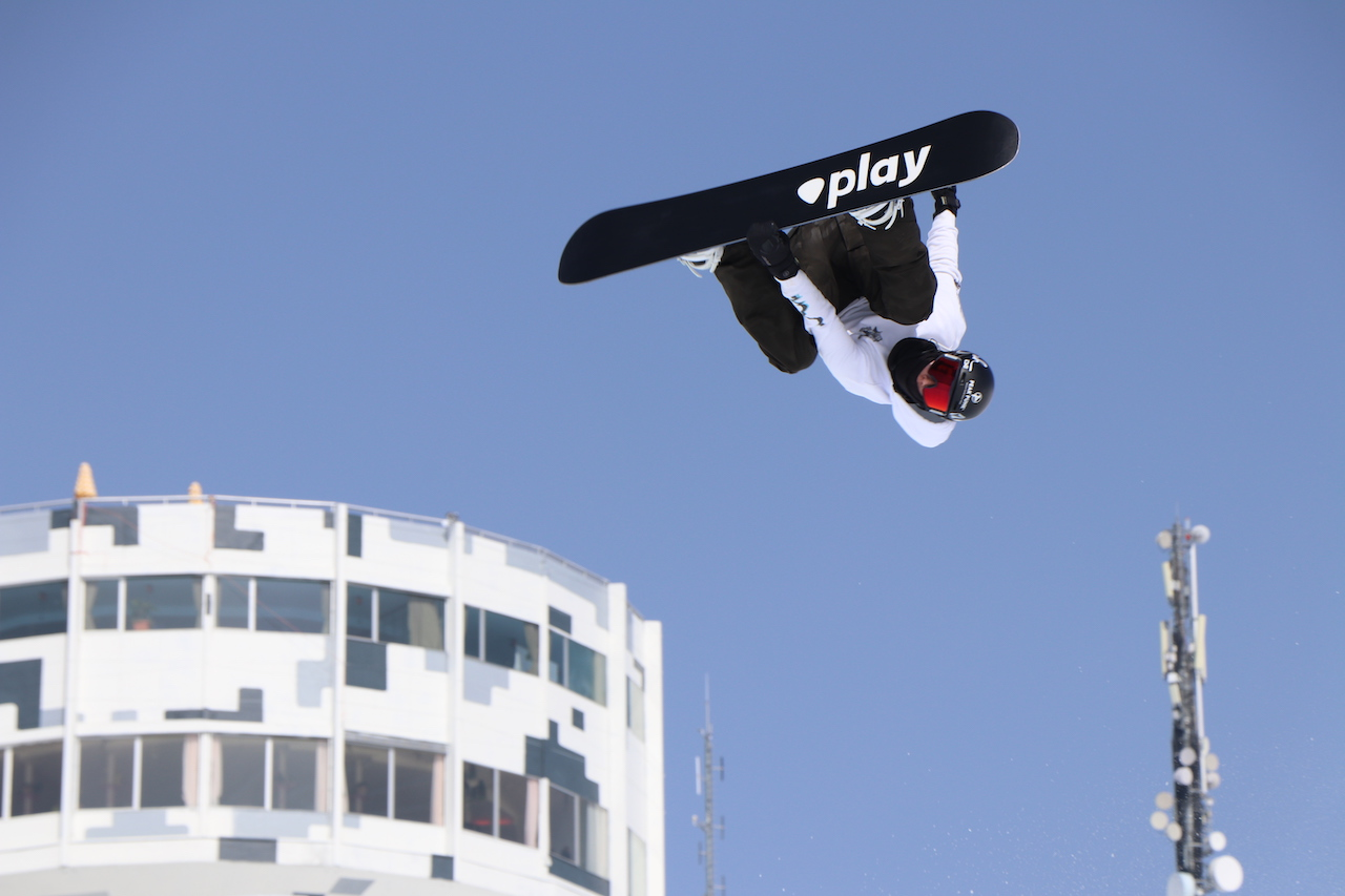 Play Snowboards Laax