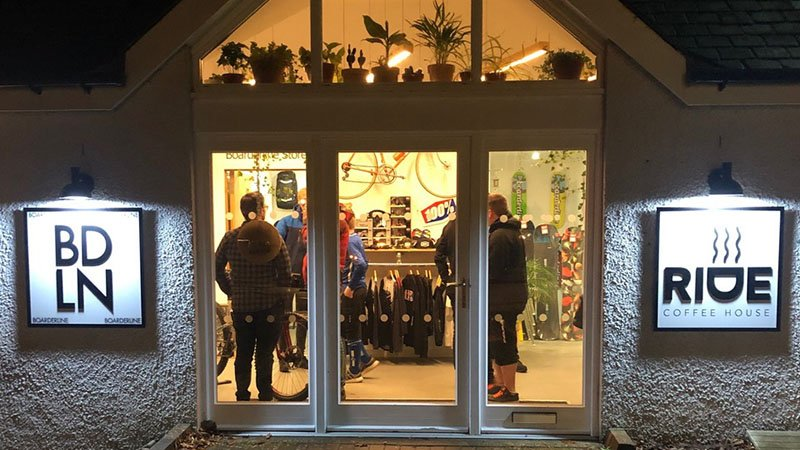 Boarderline store front RP