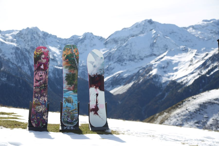 YES Snowboards models